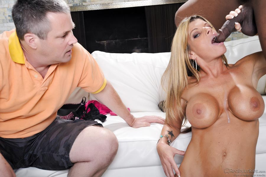 Extremely Hot Blonde Doctor With Large Boobs Kristal Summers Gets Fucked Ddf Network 1